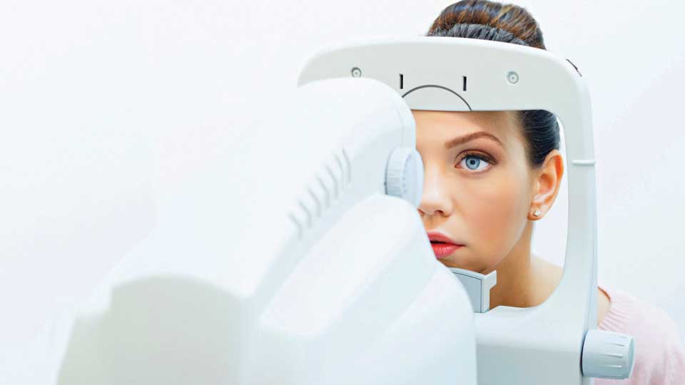 Lady has eye test at Optical Express