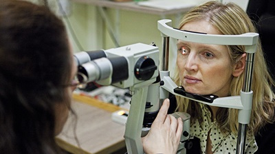 Hundreds of eye appointments cancelled daily in Wales