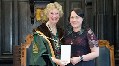 Kellianne Hoskin, has been awarded the Arnold Sinclair prize by the Worshipful Company of Spectacle Makers