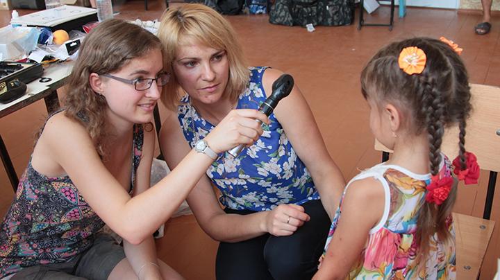 Students test sight in Moldova