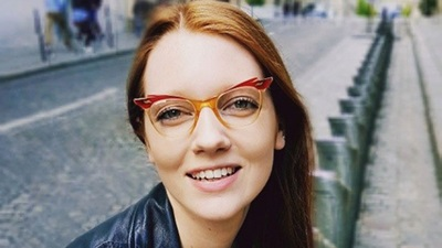 A model wearing retro spectacles