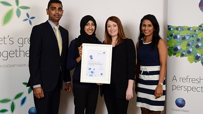 Ambreen Saira Hussain collects her award