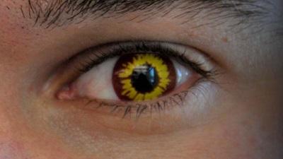 Novelty contact lens