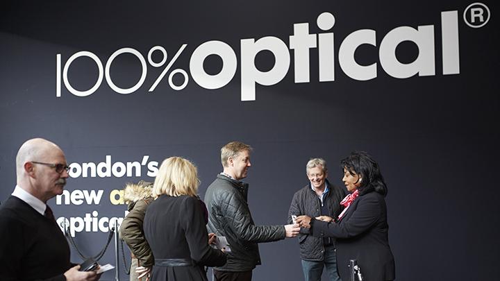 100 Optical sign