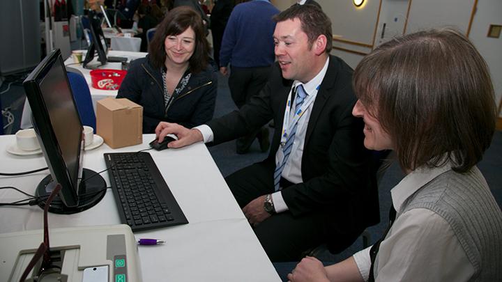 Optinet's Chris Smith demonstrating the Flex system