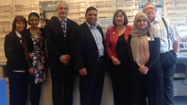 Khalid Mahmood MP visits Ian Hadfield Opticians, Birmingham