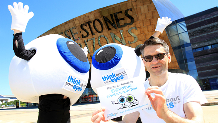 Andy Hepworth with Think about your eyes campaigners
