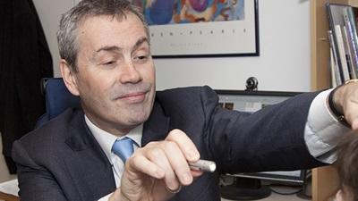 Dr Simon Barnard