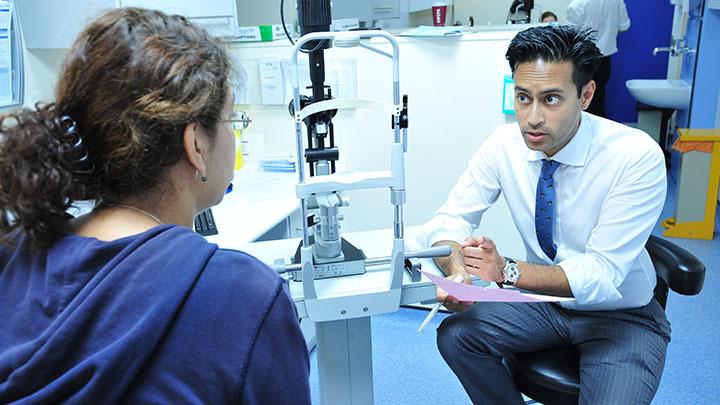 Hospital optometrist