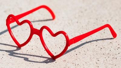 Love heart specs