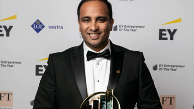 Imran Hakim with award