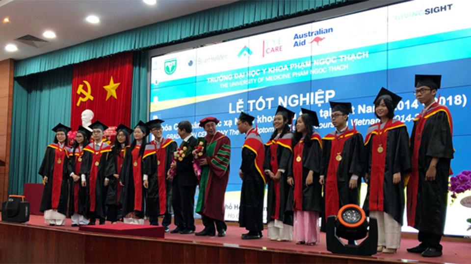 Optometry students graduate in Vietnam