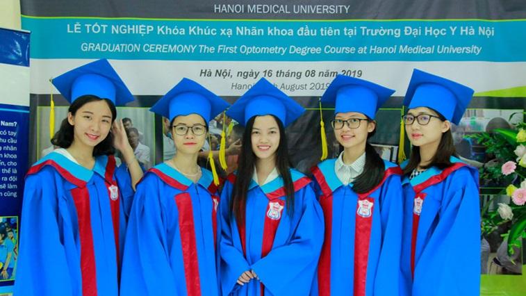 Vietnamese graduates