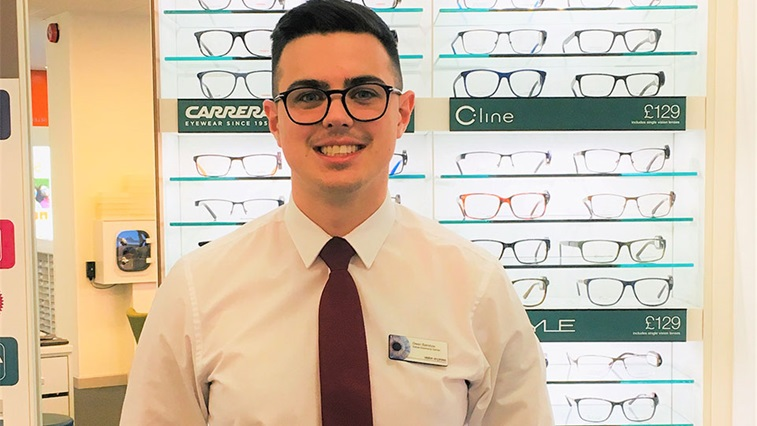 Vision Express apprentice
