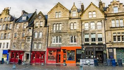 high street in Edinburgh